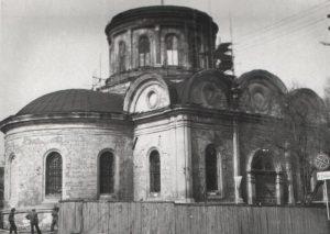 Разрушенный кафедральный Петро-Павловский собор в Симферополе