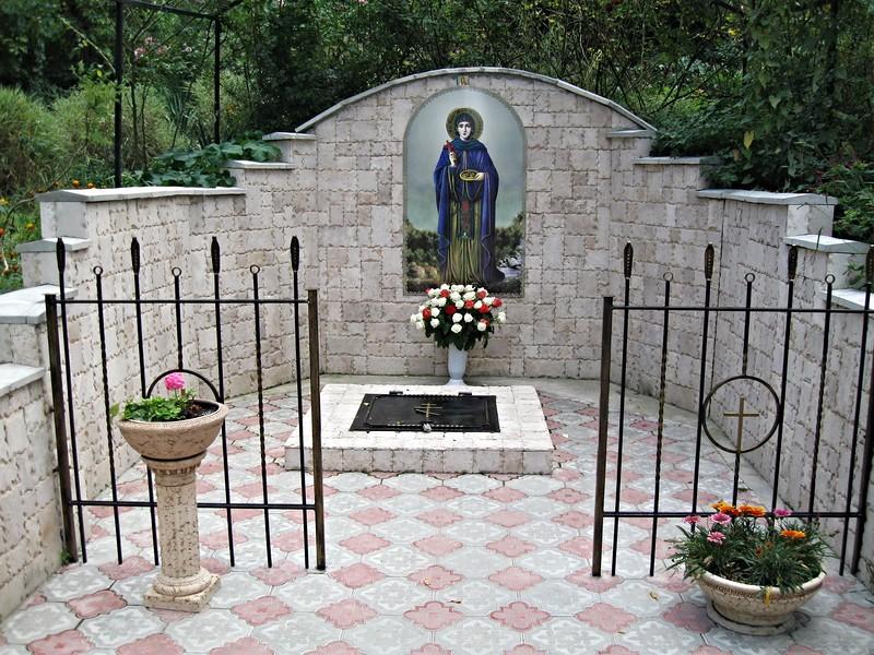 На фото: Топловский Свято-Троицкий Параскевиевский женский монастырь
