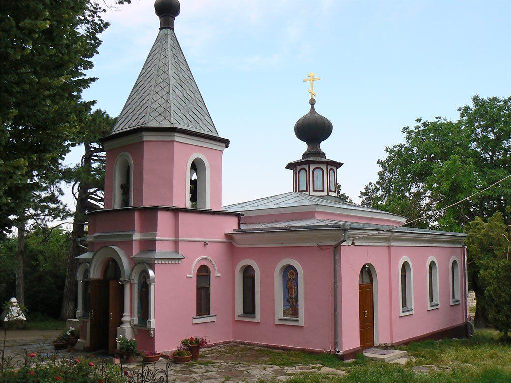 Топловский женский монастырь купальни, источник