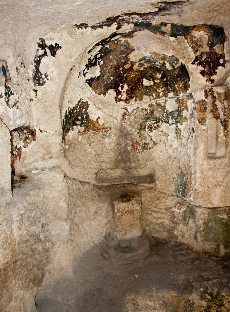Фото апсиды Успенской церкви, храмы Эски-Кермена