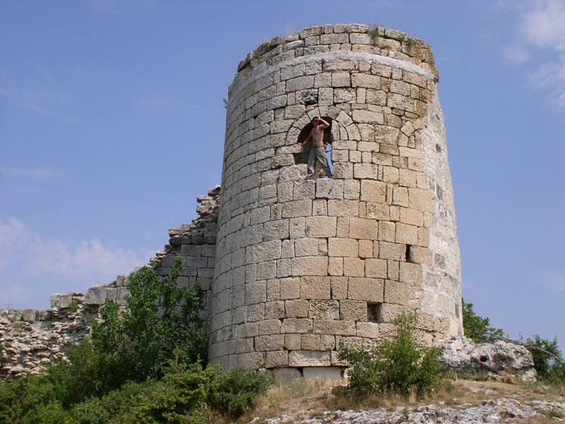 Фото: археологические памятники Кыз-Кермен