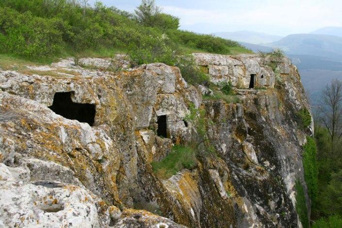 Снимок: пещерные комплексы Тепе-Кермен