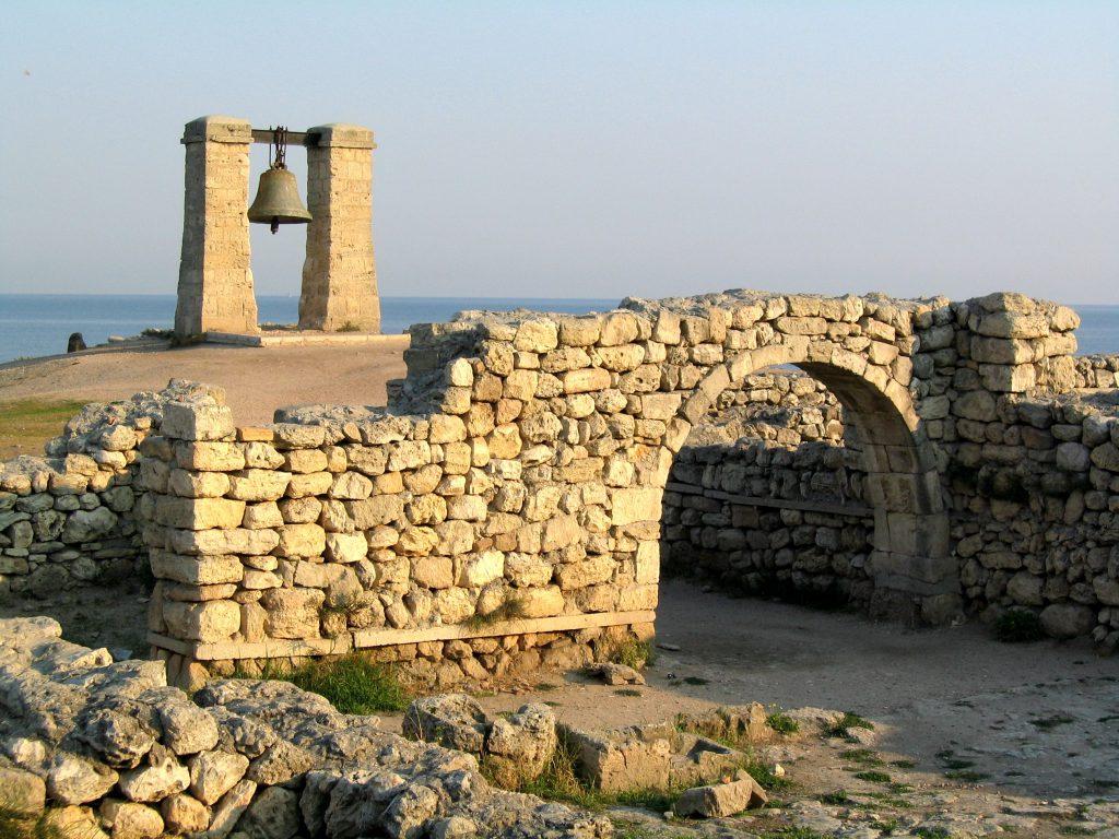 Фото: Херсон (Херсонес) и его руины