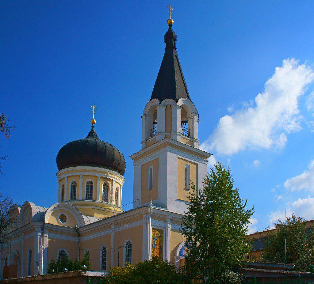 На фото показан Петро-Павловский собор