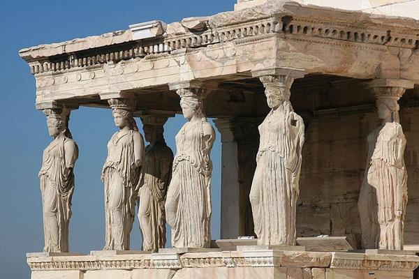 На фото показаны элементы греческого архитектурного искусства