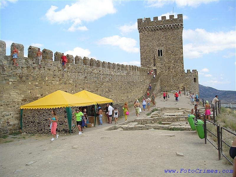 Изображение Генуэзской крепости