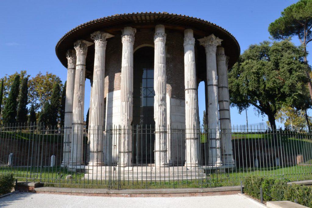 Изображен круглый храм