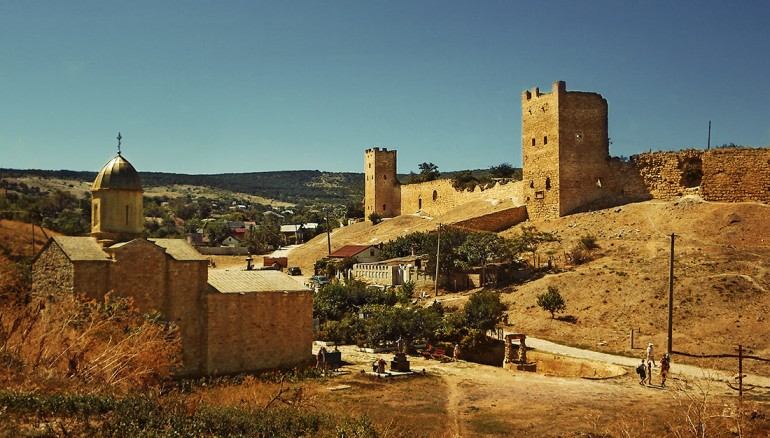 На фото показаны древние крепости Феодосии