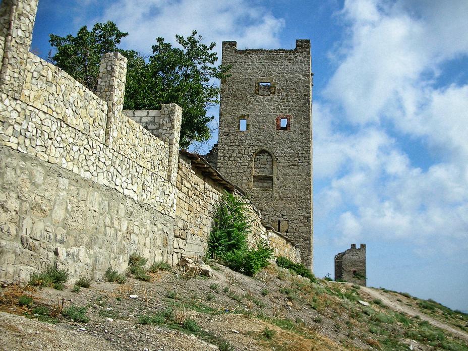 На фото Генуэзская крепость