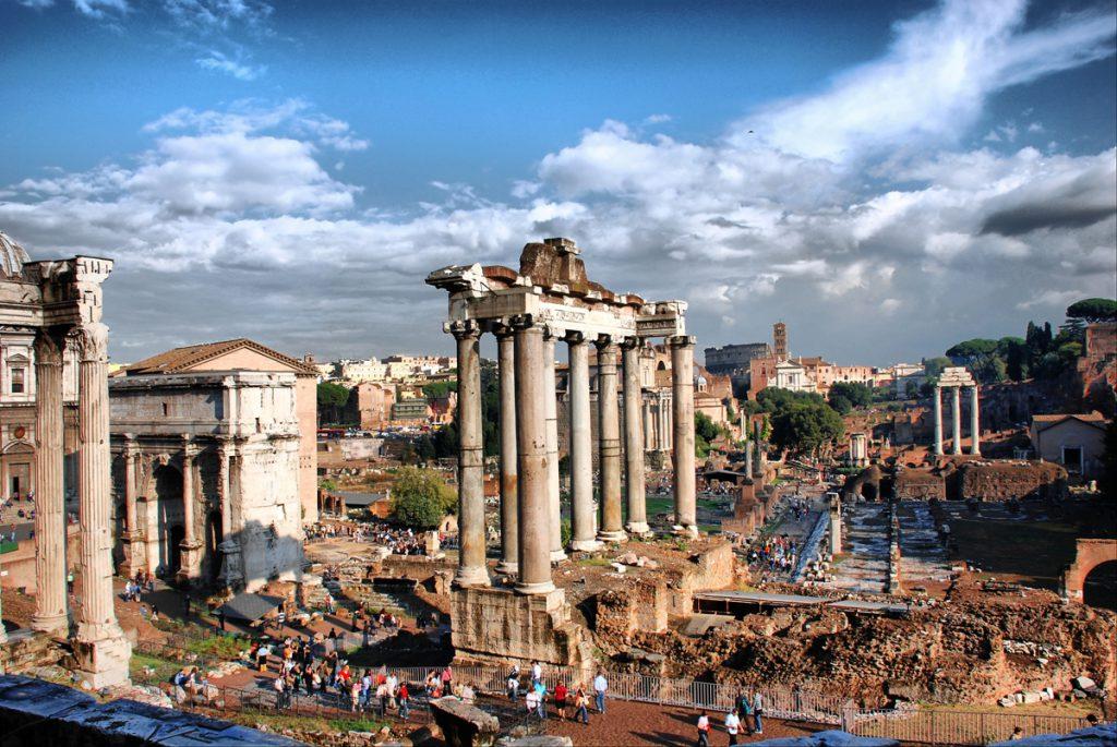 Рим и античные руины - фото