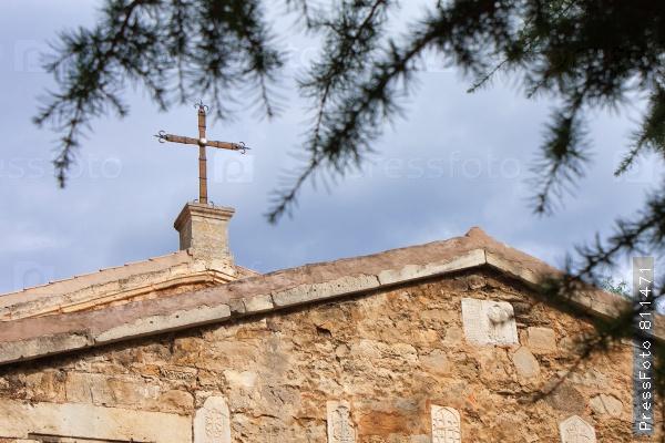 На фотографии изображена армянская церковь