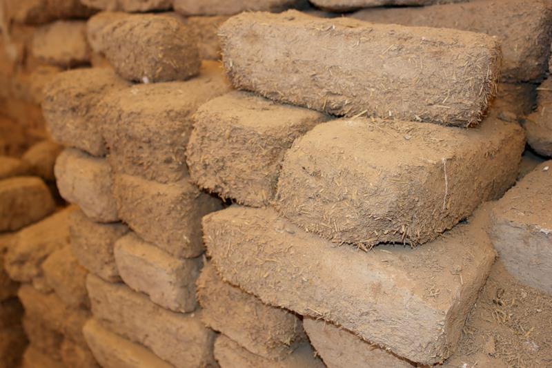 На фото древние строительные материалы